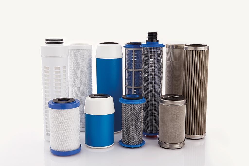 Verschiedene Filtereinsätze (aus Kunststoff und Edelstahl) von Causa, der Handelsmarke von Infiltec